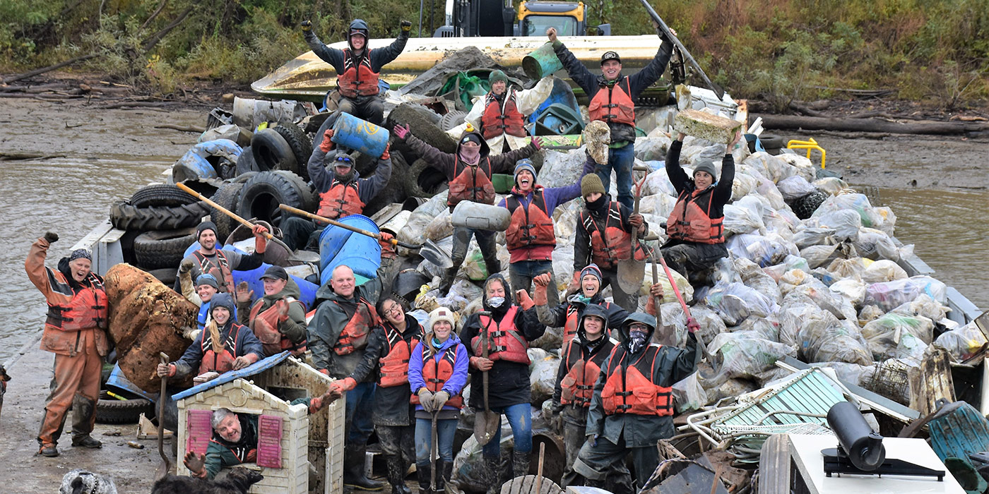 In Good Company Volunteers Get Down and Dirty to Clean Up America's Waterways